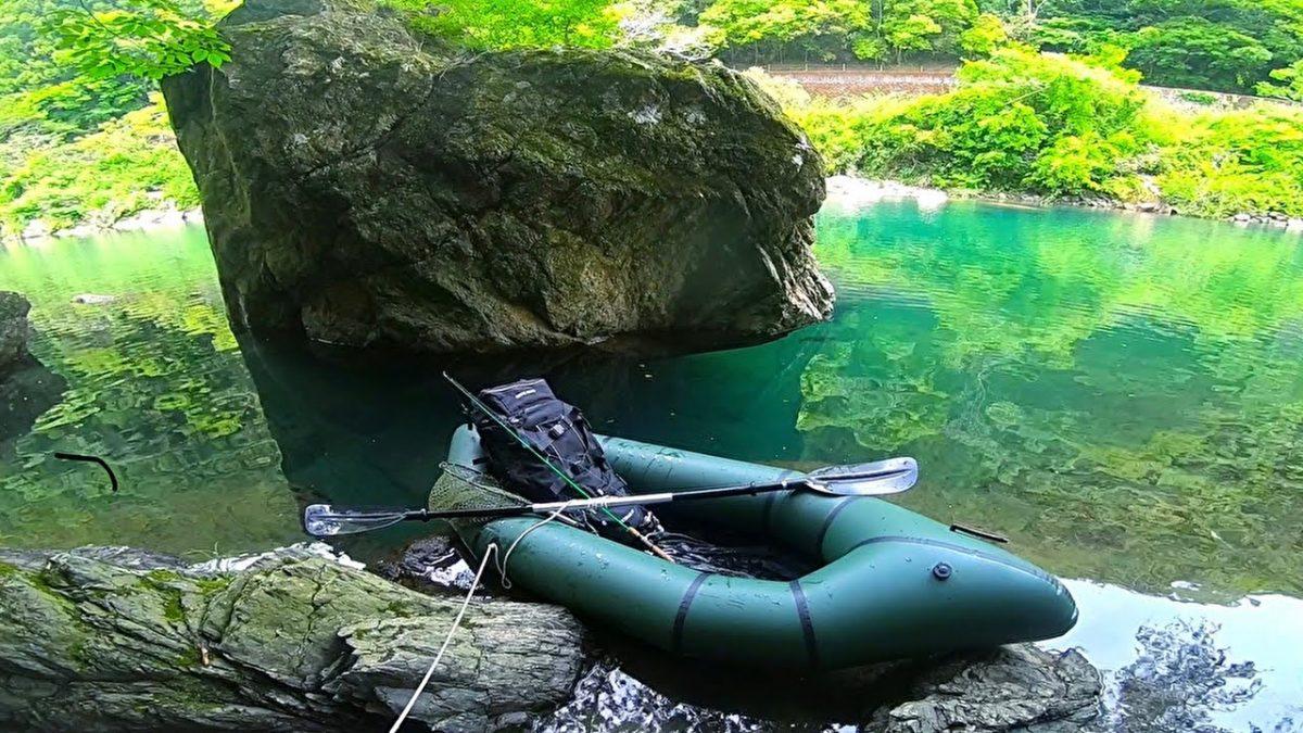 離島で屋形小舟に泊まって釣りとキャンプ